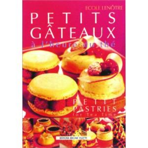 PETITS GATEAUX A L'HEURE DU THE