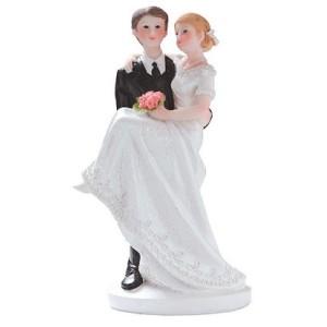 Comprar Figura de Novios con Novia en Brazos